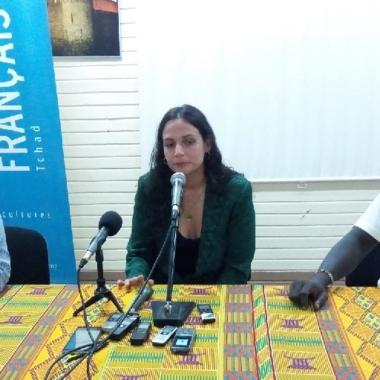"""Culture : l'artiste française Nach Anna Chedid promet un """"grand voyage musical"""" au public tchadien"""