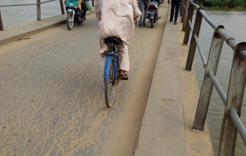 Société : le pont de Chagoua, un véritable casse-tête pour les motocyclistes