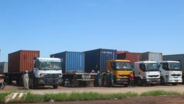 Lutte anti-paludisme : 21 conteneurs de moustiquaires imprégnées bloqués à Ngueli