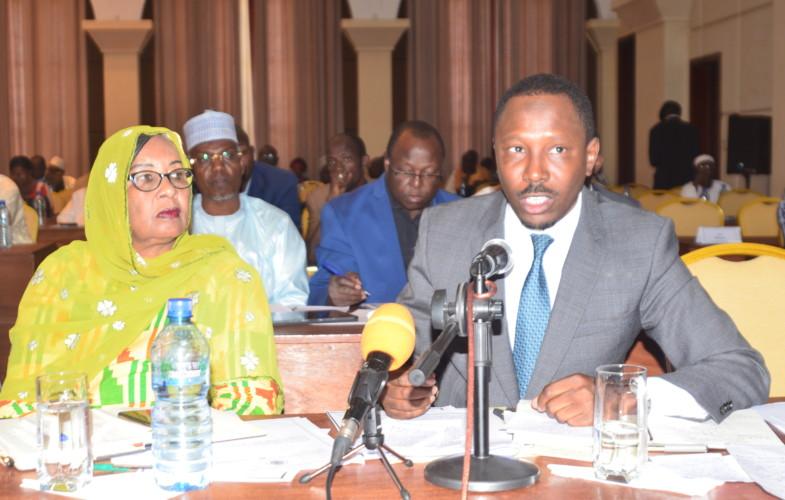 """Le Tchad signe un contrat pétrolier """"juteux"""""""