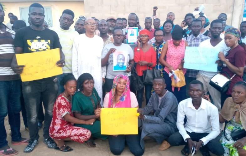Affaire Mateyan Bonheur: des jeunes bravent la présence policière et manifestent