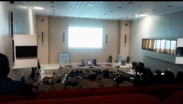 INSOLITE : une coupure d'électricité sème la panique à la conférence des ambassadeurs