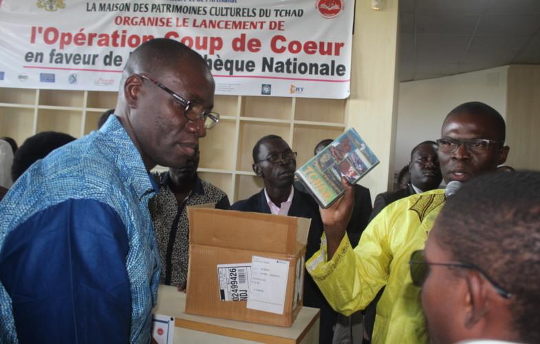 """Tchad : la MPCT procède à  """"l'opération coup de cœur"""" en faveur de la bibliothèque nationale"""