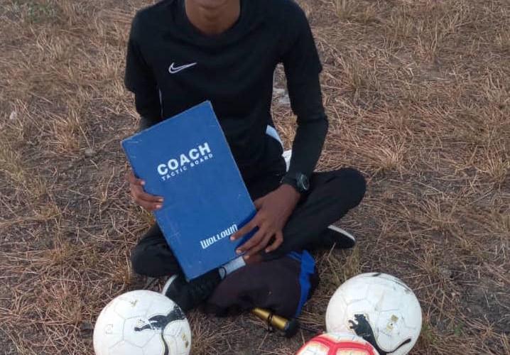Dossier 2/3 : Abakar Moussa Khali, le coach paralysé qui veut ressembler à  Jürgen Klopp