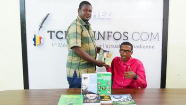 On a de la visite : le coach Abakar Moussa Kallé est passé à Tchadinfos