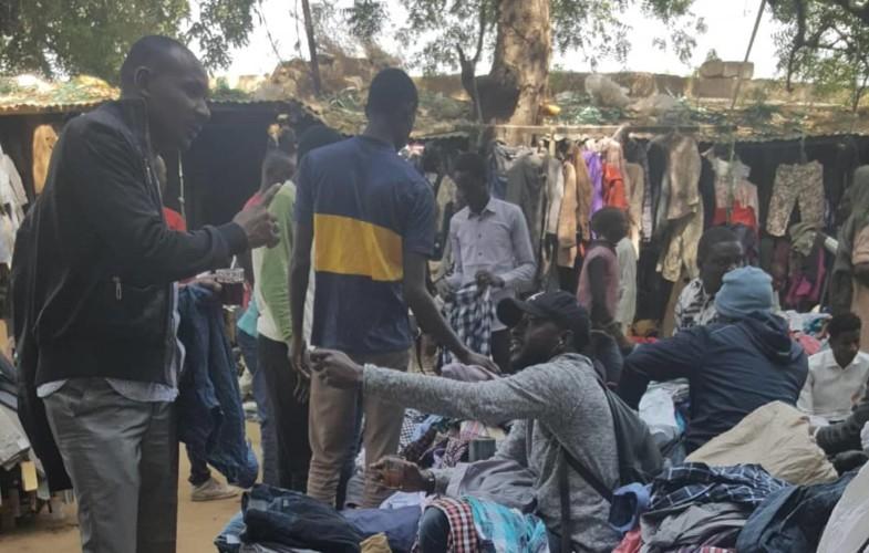 Tchad : quand le froid fait monter les enchères à la friperie