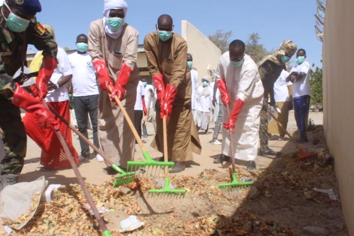 Tchad : des jeunes de Bagasola initient une journée citoyenne ville propre