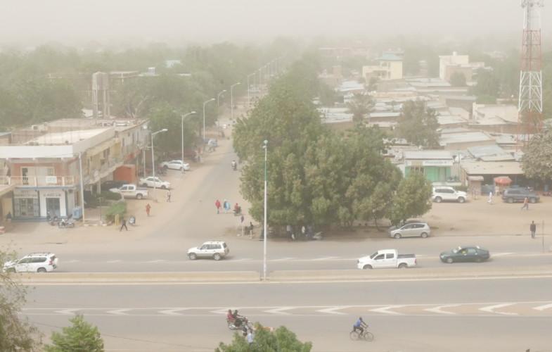 Tchad : N'Djamena couvert par une brume de poussière