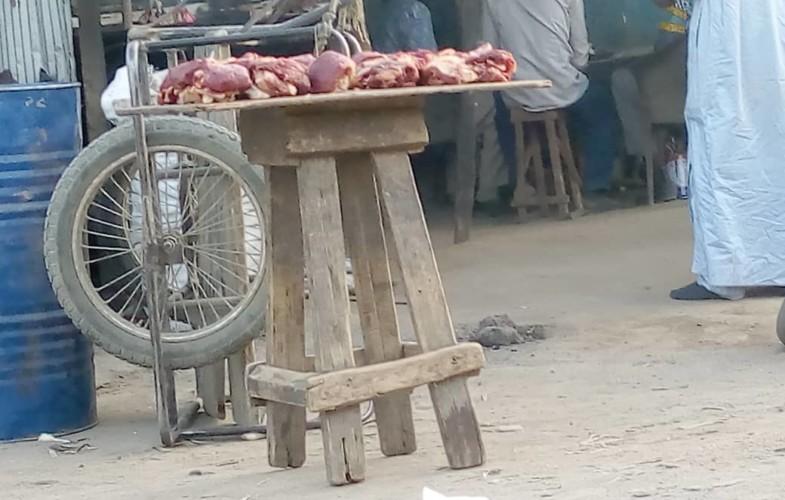 N'Djamena : en soirée la viande fraiche se vend sans précaution hygiénique