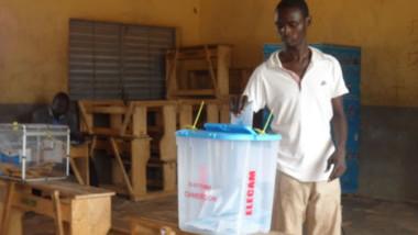 Cameroun : une élection sous fond de crise identitaire et boycott de l'opposition