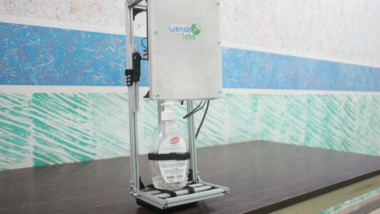 Coronavirus au Tchad : voici Coro-bot, le distributeur automatique de gel hydroalcoolique