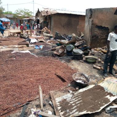 N'Djamena : 12 millions partis en fumée dans l'incendie du marché d'Habbéna