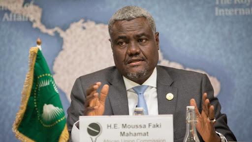 Union africaine : Moussa Faki Mahamat condamne la décision de Donald Trump