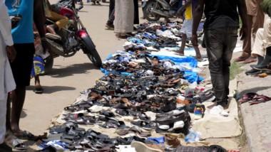 VIDEO. Le sauve-qui-peut des vendeurs de chaussures