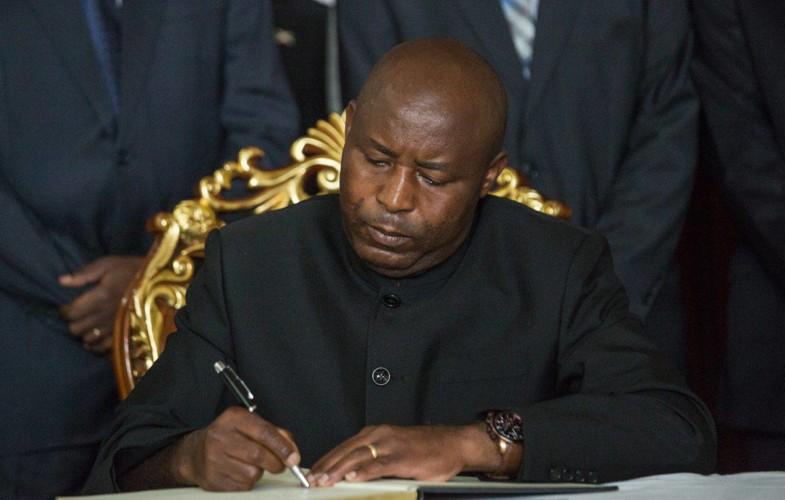 Burundi : le président élu Évariste Ndayishimiye a prêté serment