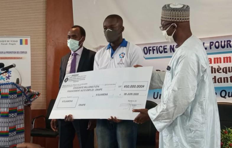 Tchad : 50 millions FCFA octroyés par l'Onape aux promoteurs de l'emploi