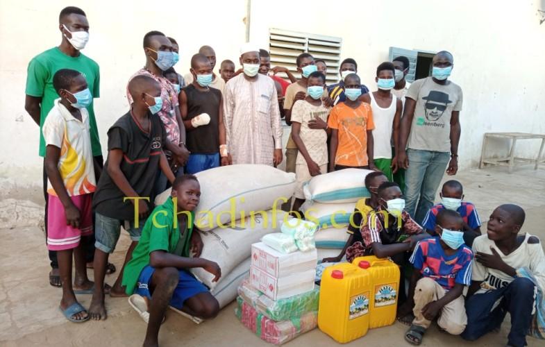Tchad : un opérateur économique offre des vivres au centre « Dakouna Espoir »