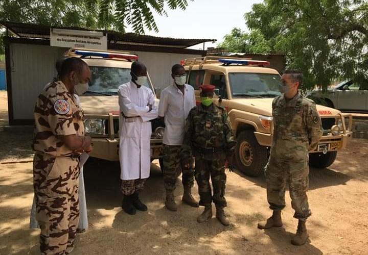 Coronavirus: deux ambulances remises par les Etats-Unis à l'armée tchadienne