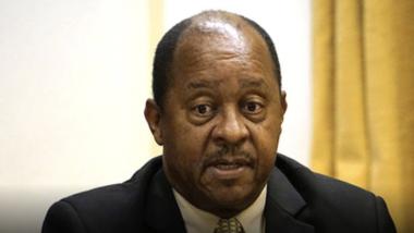 Coronavirus : le ministre zimbabwéen de la Santé arrêté au sujet d'un contrat de matériel médical