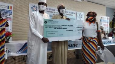 Tchad : 68 promoteurs d'emploi indépendant reçoivent un second financement de l'Onape