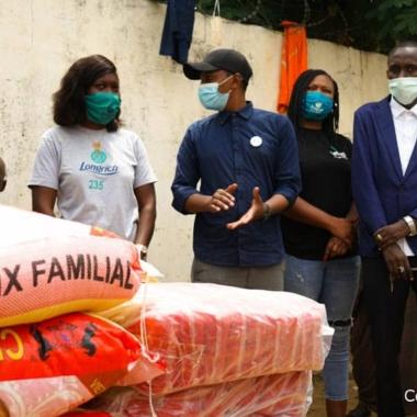 Coronavirus : un groupe de jeunes entrepreneurs assiste trois orphelinats
