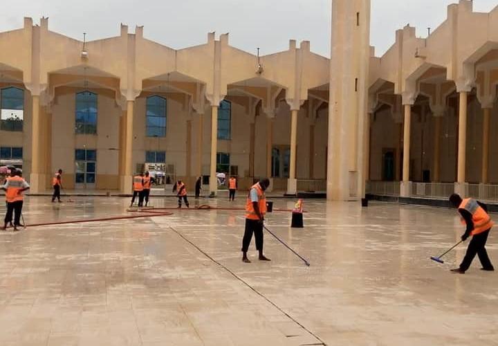 Tchad : nettoyage général à la grande mosquée Roi Fayçal à la veille de la Tabaski