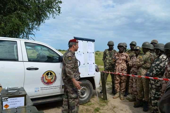 Tchad : 11 militaires formés en destruction des mines et engins explosifs