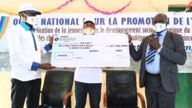 MONGO : un chèque de 17.300.000FCFA aux nouveaux promoteurs ONAPE
