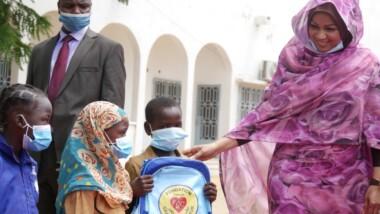 Rentrée scolaire : 23.000 tables-bancs et 37.000 kits scolaires offerts par la Fondation grand cœur