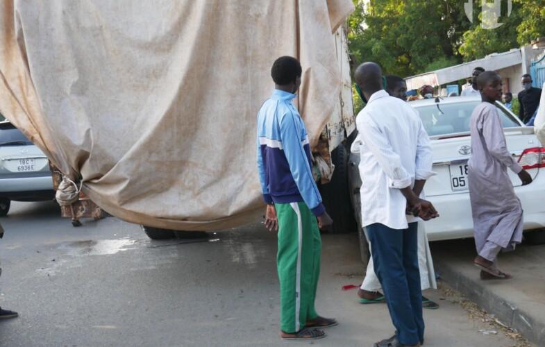 Fait divers : Un gros porteur percute deux voitures sur l'Avenue Mobutu