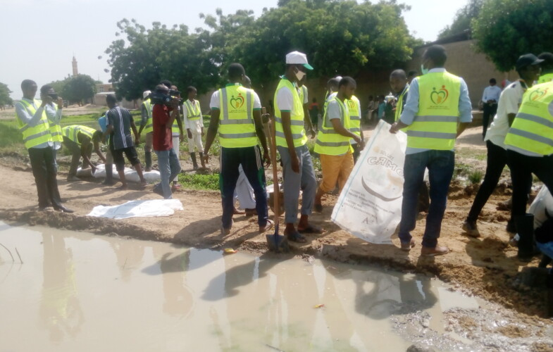 Inondations : une plateforme de jeunes aménage les rues difficiles d'accès à Diguel Zafaye