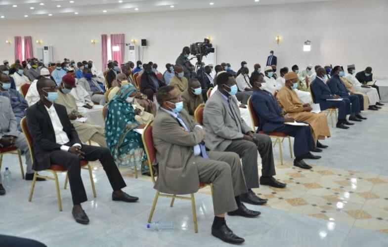 Tchad : le maréchal du Tchad aborde plusieurs sujets avec les responsables des partis politiques