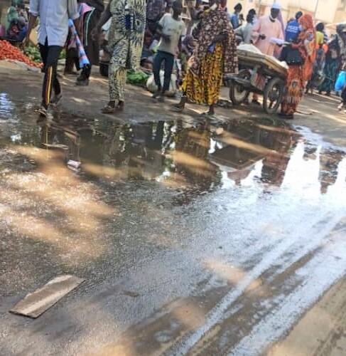 Tchad : des flaques d'eaux souillées dans les marchés de la capitale