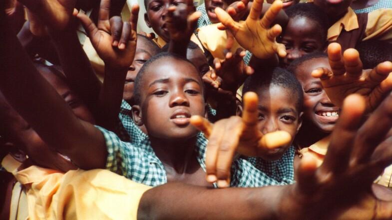 """La jeunesse africaine en pleine expansion est """"plus vulnérable"""" aux conséquences collatérales du COVID-19"""