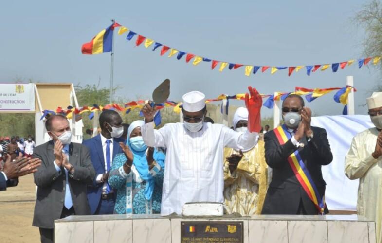 Le chef de l'Etat pose la première pierre de construction de deux centrales solaires à Gaoui