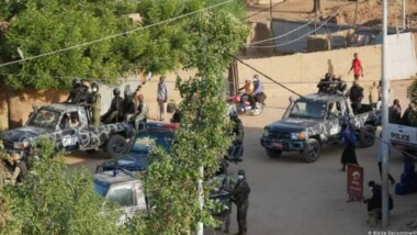 تشاد: قوات التدخل السريع تطلق الغاز المسيل للدموع على المحاصرين في مقر حزب المحولون