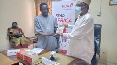 Tchad : UBA fait un don de livres au ministère de l'Education nationale