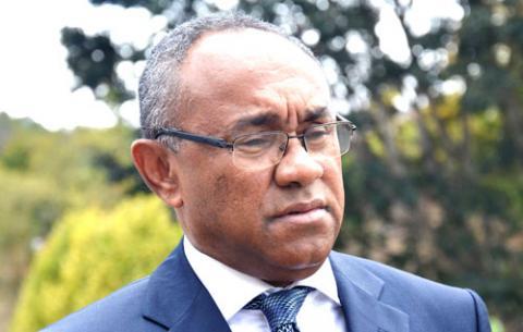Caf : la FIFA suspend pour cinq ans le président Ahmad Ahmad
