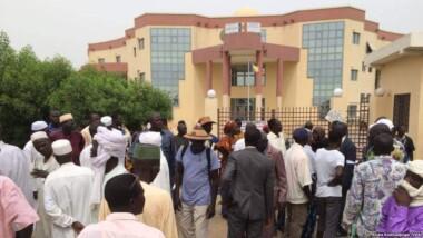 Tchad: 10 jours accordés aux fonctionnaires de l'État pour se mettre en règle