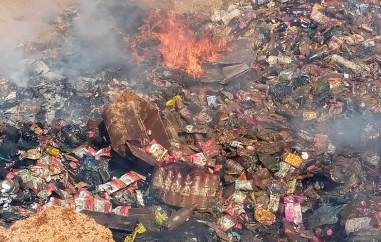 Abéché : une importante quantité de produits alimentaires périmés incinérés