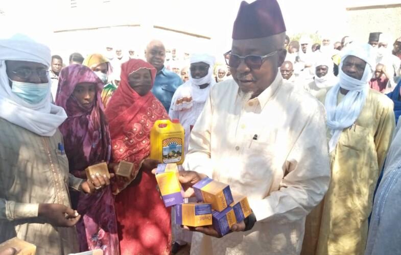 Tchad: le Ministre Ahmat Mahamat Bachir est à Ati aux côtés des victimes des feux de brousse