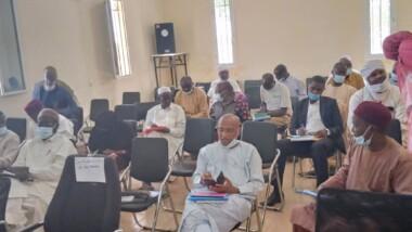 Abéché : le gouverneur du Ouaddaï lance les travaux de l'atelier de formation sur la protection sociale