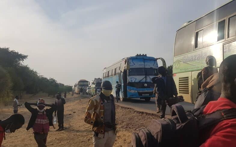 Tchad : bloqués à l'entrée sud de Ndjamena, ils trouvent des voies détournées pour regagner chez eux