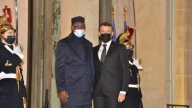 الرئيس الفرنسي يستقبل نظيره التشادي خلال زيارة عمل