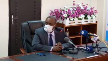 """""""Etant donné que le vaccin n'est pas encore à notre portée, l'observation des mesures barrières reste une des armes"""", Pr Choua Ouchemi"""