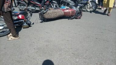 Accident près du Palais du 15 janvier : 3 véhicules se percutent violemment