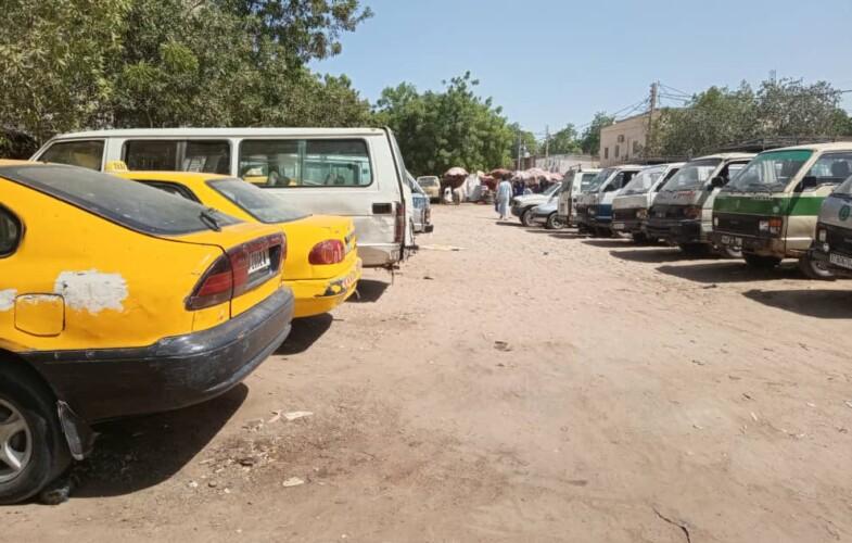 """Chauffeurs de minibus: """"Si le gouvernement ne vole pas urgemment à notre secours, certains d'entre nous risquent de mourir de faim"""""""