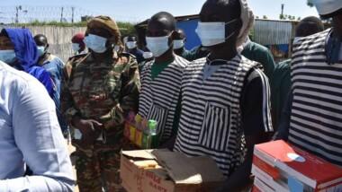 Coronavirus: Génération 90/MPS offre des kits de protection aux détenus de la maison d'arrêt d'Amsinéné