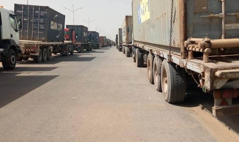 Tchad : Des opérateurs économiques mécontents garent leurs conteneurs à Nguéli
