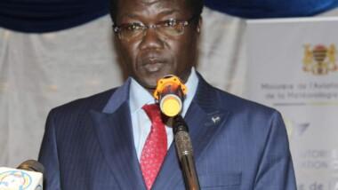 """La """"démission"""" de l'ex-ministre de l'Aviation serait-elle à l'origine du remaniement gouvernemental ?"""